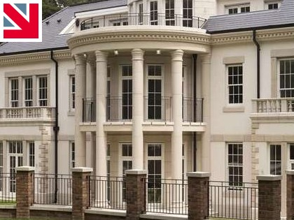 Award-winning Bygone Symphony windows by Masterframe complement imposing palladian mansion